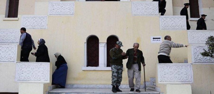 """Egitto alle urne, i """"sì"""" in vantaggio"""