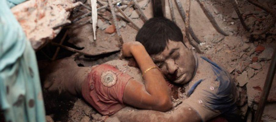 Il crollo della fabbrica tessile in Bangladesh