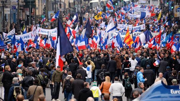 """""""Ovunque è un manifestarsi di movimenti populisti, o peggio ancora xenofobi e neofascisti come il Front National"""""""